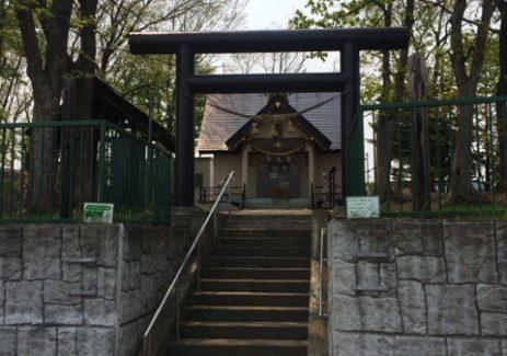 三里塚神社 参道