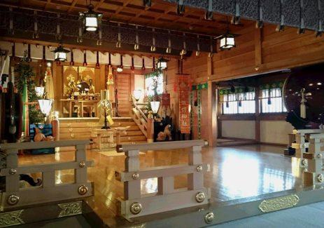 諏訪神社 殿内
