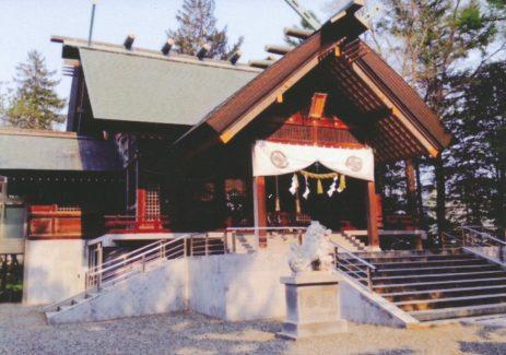 信濃神社 社殿2