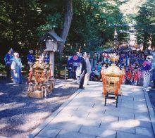 発輿祭前の各地域の子供神輿と子供たち